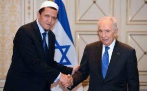 7759332874_l-imam-hassen-chalghoumi-et-le-president-israelien-shimon-peres[1]