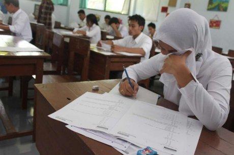 la-tricherie-est-un-sport-national-en-indonesie_1226069_460x306