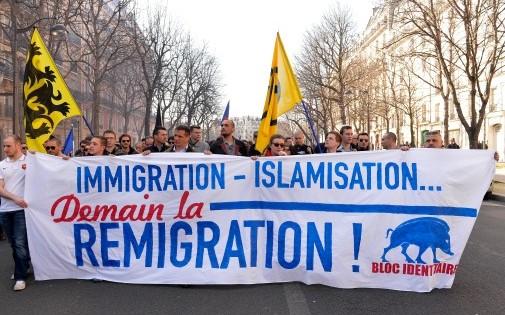 7770296840_manifestation-a-paris-contre-l-islamisation-et-pour-un-referendum-anti-immigration-le-9-mars-2014