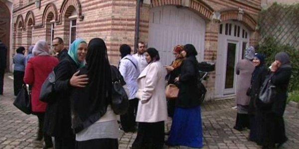 Des parents d'élèves de l'unique école musulmane du Loiret se sont présentés devant le tribunal administratif d'Orléans afin d'exprimer leur mécontentement