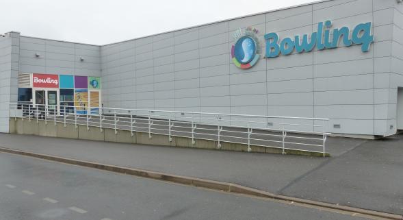 une femme voilée refoulée du bowling de Saint-Quentin