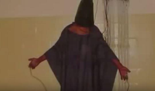 Le Pentagone forcé de publier des images de détenus irakiens et afghans torturés