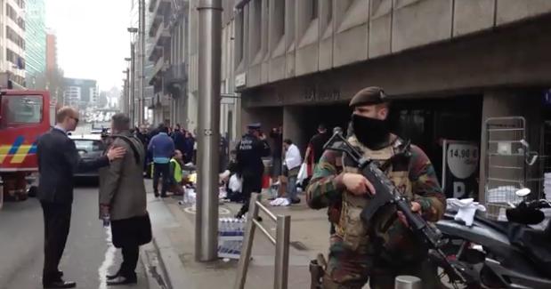 Après les attentats de Bruxelles, la récupération politique est enclenchée en France