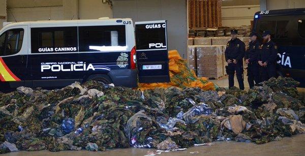 [Vidéo] Espagne : saisie de 20 000 uniformes militaires destinés à Daech !