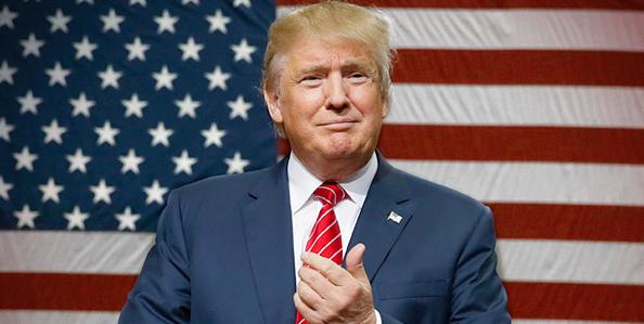 Etats-Unis : le candidat Donald Trump comparé à Adolf Hitler
