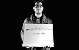 Pour dénoncer le racisme ordinaire, des étudiants de l'établissement Bowdoin College dans l'Etat du Maine, aux Etats-Unis, se sont pris en photographie avec les phrases racistes les plus entendues.