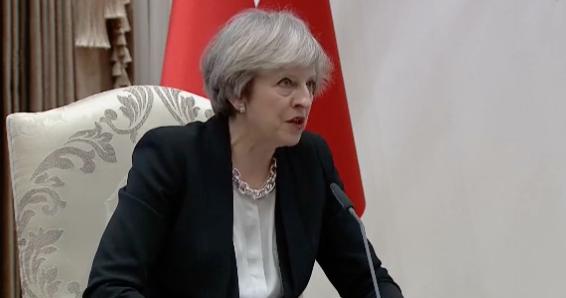 Theresa May demande à la Turquie de respecter les droits de l'Homme