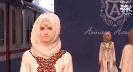 """Une exposition sur """"la mode en islam"""" organisée en 2018"""