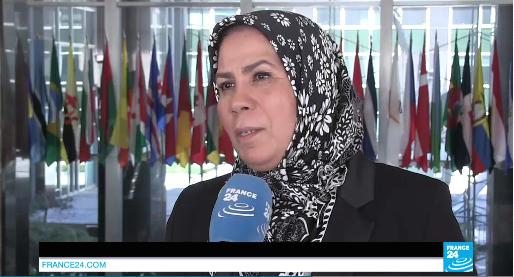 Latifa Ibn Ziaten récompensée à Washington, huée à l'Assemblée nationale française