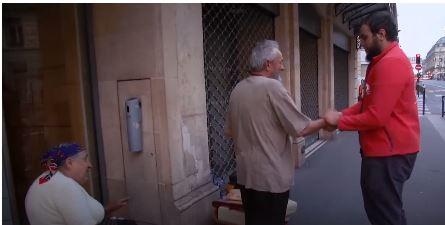 [VIDÉO] Paris - Il jeûne la journée et nourrit des sans-abris chaque soir