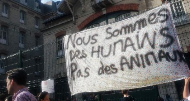 Amnesty International : la France ne respecte pas les droits des migrants